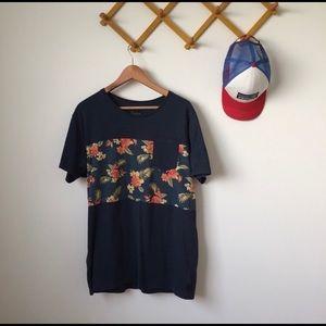 Skylark | Hawaiian floral tshirt pocket